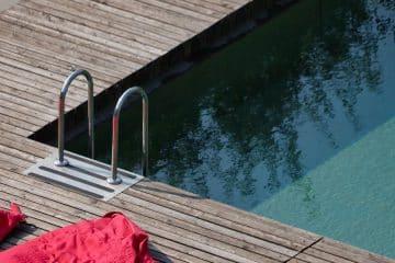 Pourquoi faire installer un piscine en bois ?
